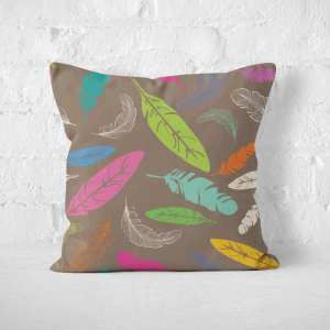 Poduszka - COLORFUL FEATHERS ON BROWN BACKGROUND